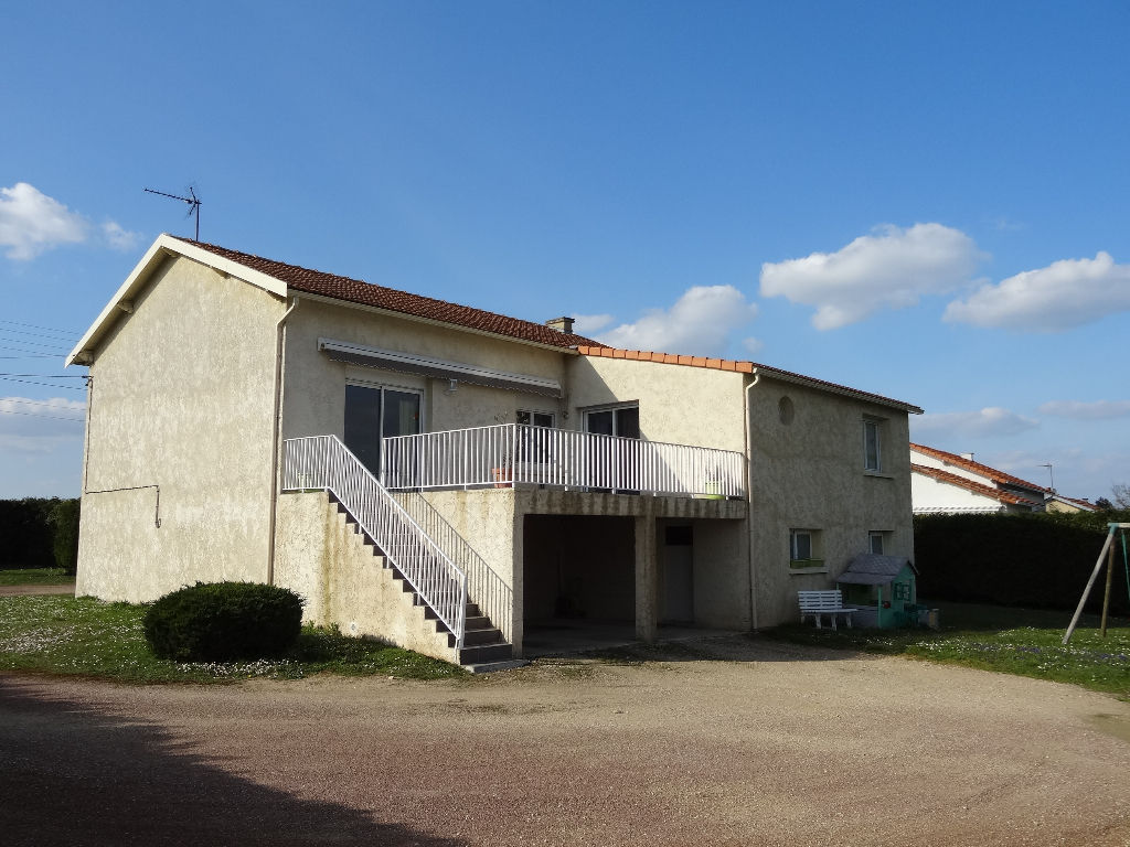 A vendre poitiers maison 160m jardin garage for Garage a poitiers