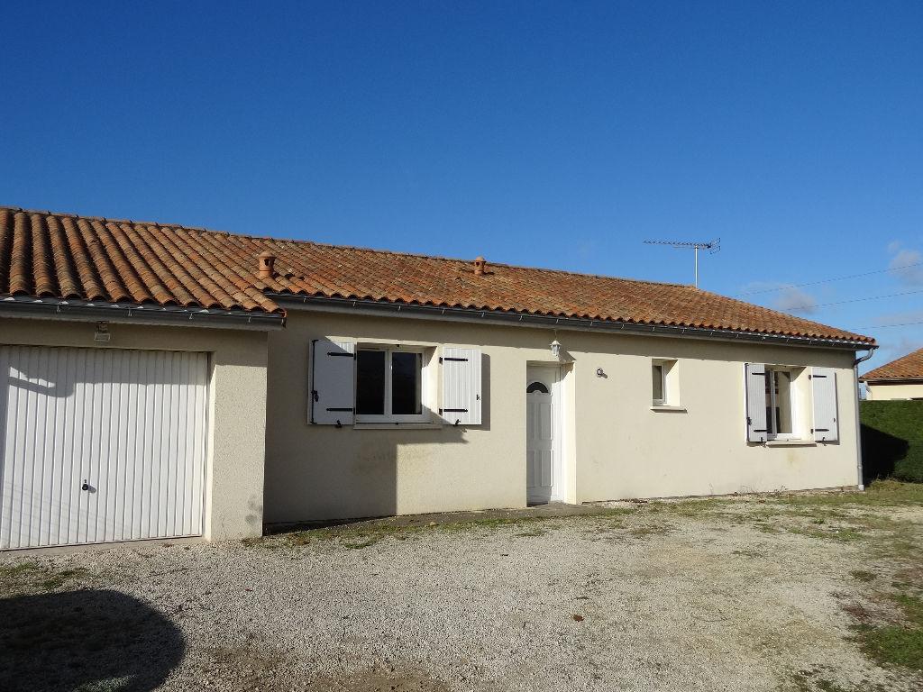 Immobilier chasseneuil du poitou a louer locati maison for A louer garage