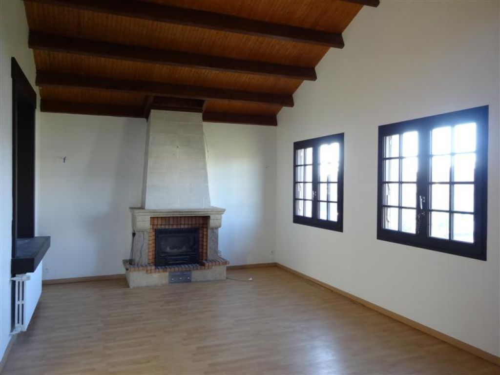 immobilier poitiers a vendre vente acheter ach. Black Bedroom Furniture Sets. Home Design Ideas